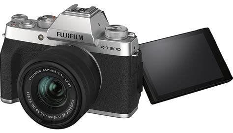 Fujifilm X-T200 + lens 15-45mm