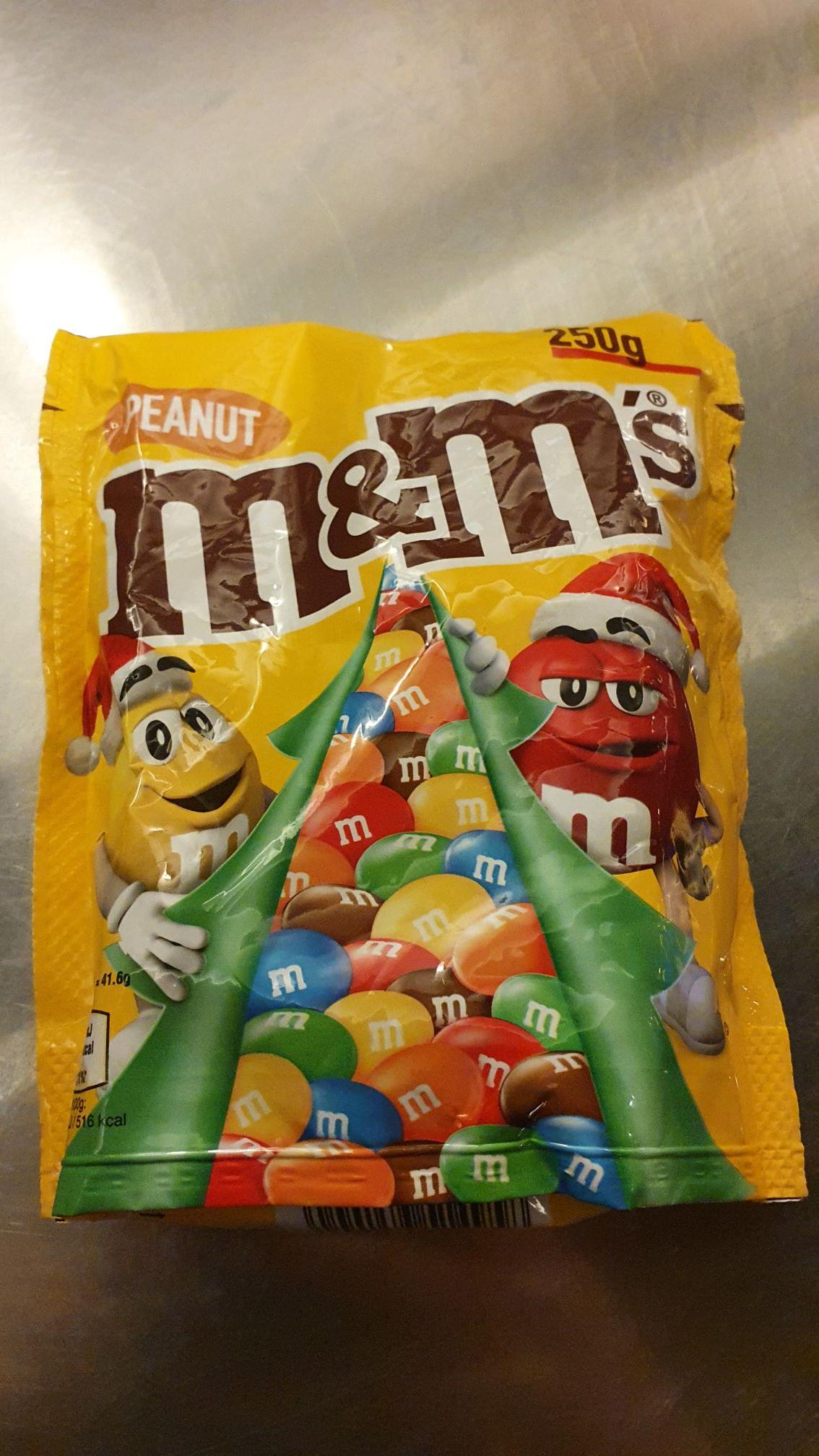 50% korting op het Kerst-assortiment (bijvoorbeeld M&M's €1,25) @ AH