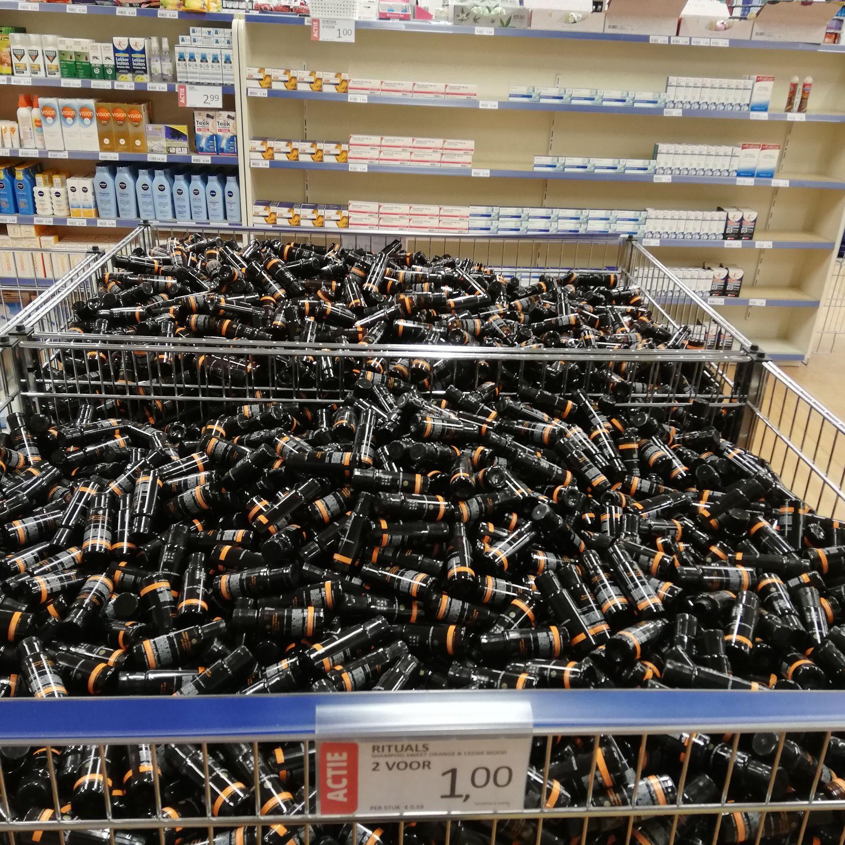Rituals shampoo kleine flesjes 2 voor 1 euro. Die Grenze (Assen)