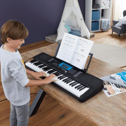 Keyboard ST211 met 61 aanslaggevoelige toetsen + Keyboardcursus €90 @ Aldi