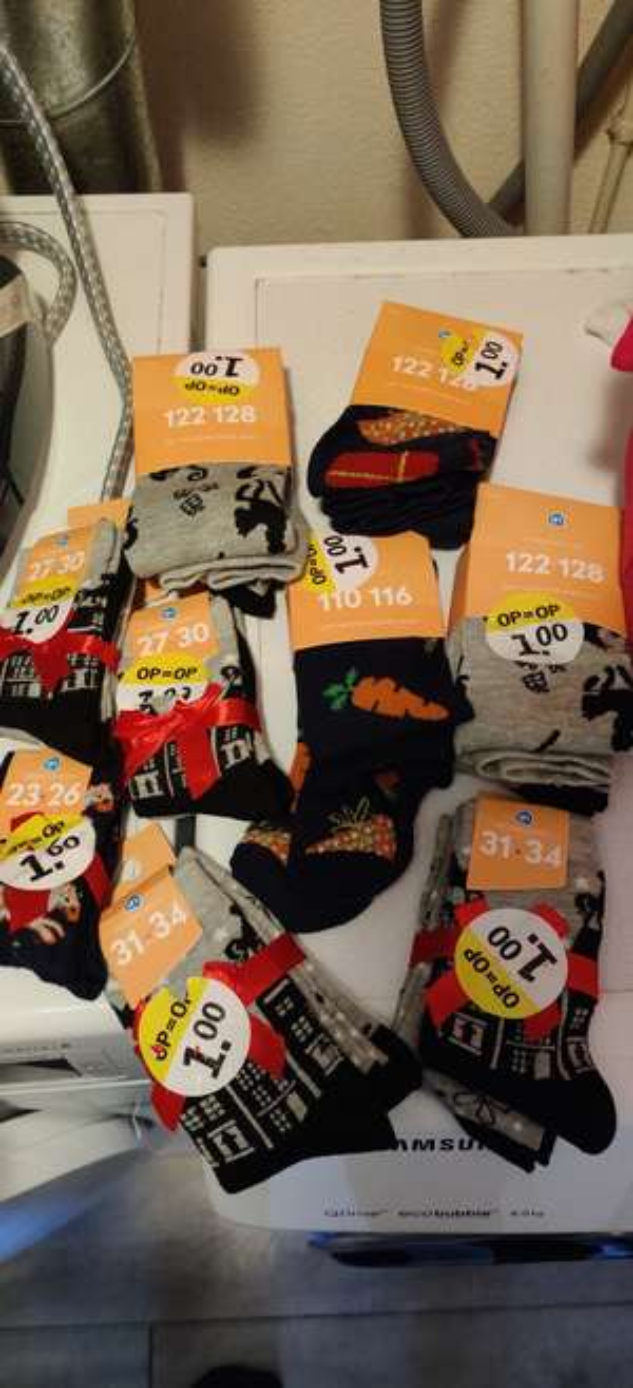 (lokaal?)Sinterklaas-sokken/maillots 1 euro