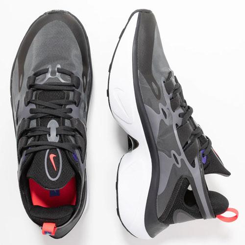 Nike Signal D/MS/X sneakers [laatste maten - waren €129,95]