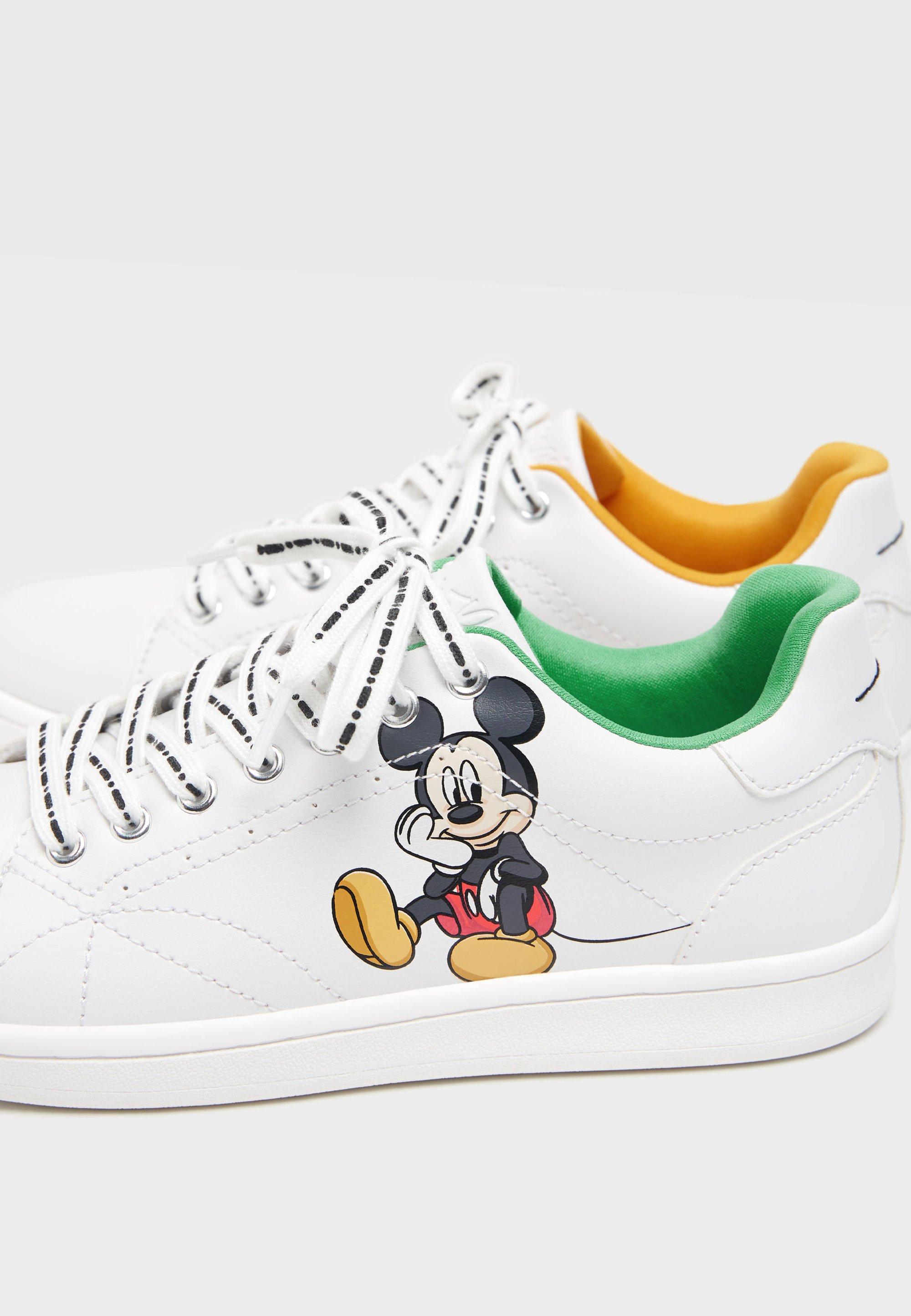 Bershka Mickey & Minnie Mouse sneakers voor €9,99 @ Bershka