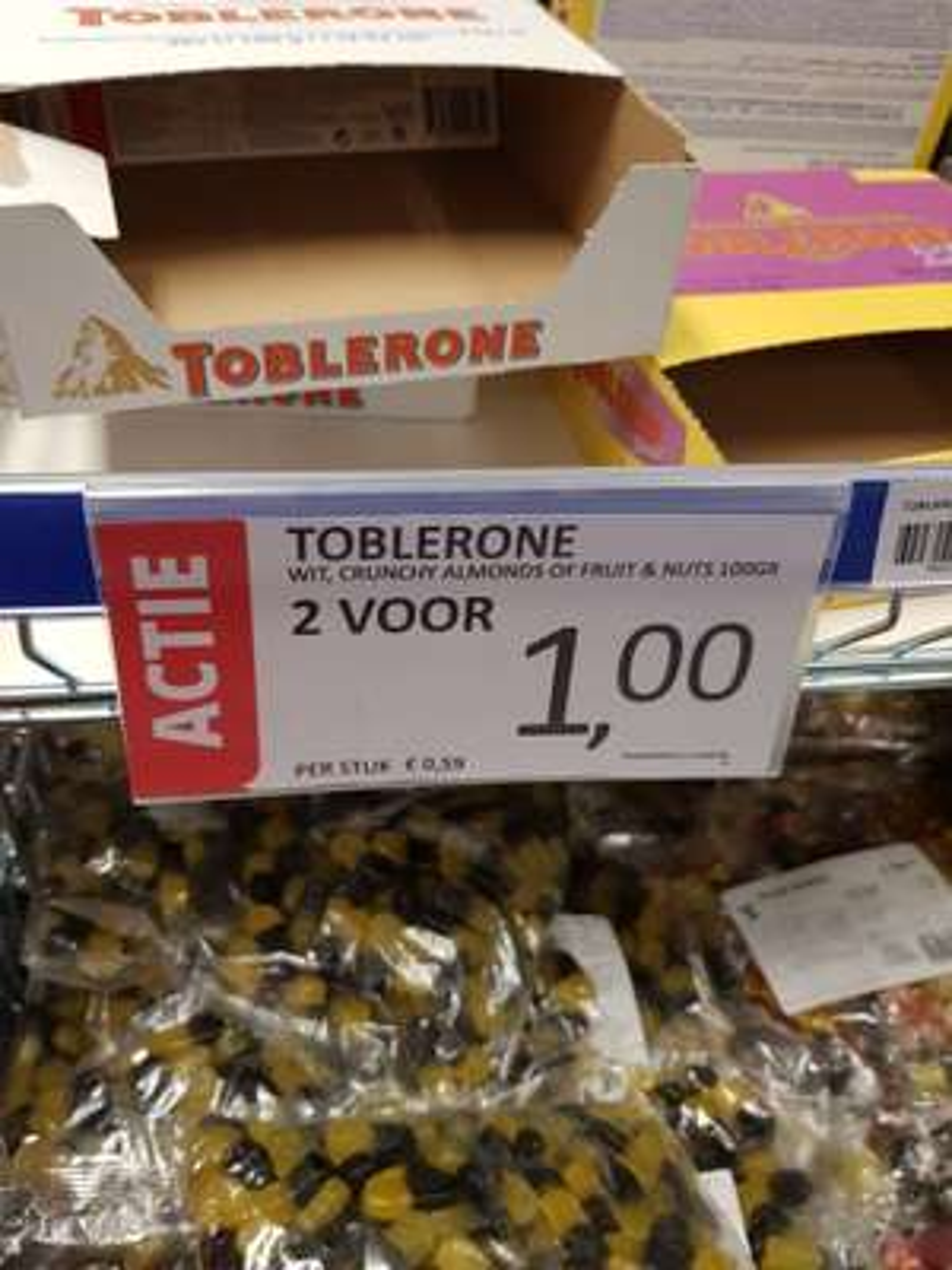Toblerone 2 x 100g = €1 (die grenze)