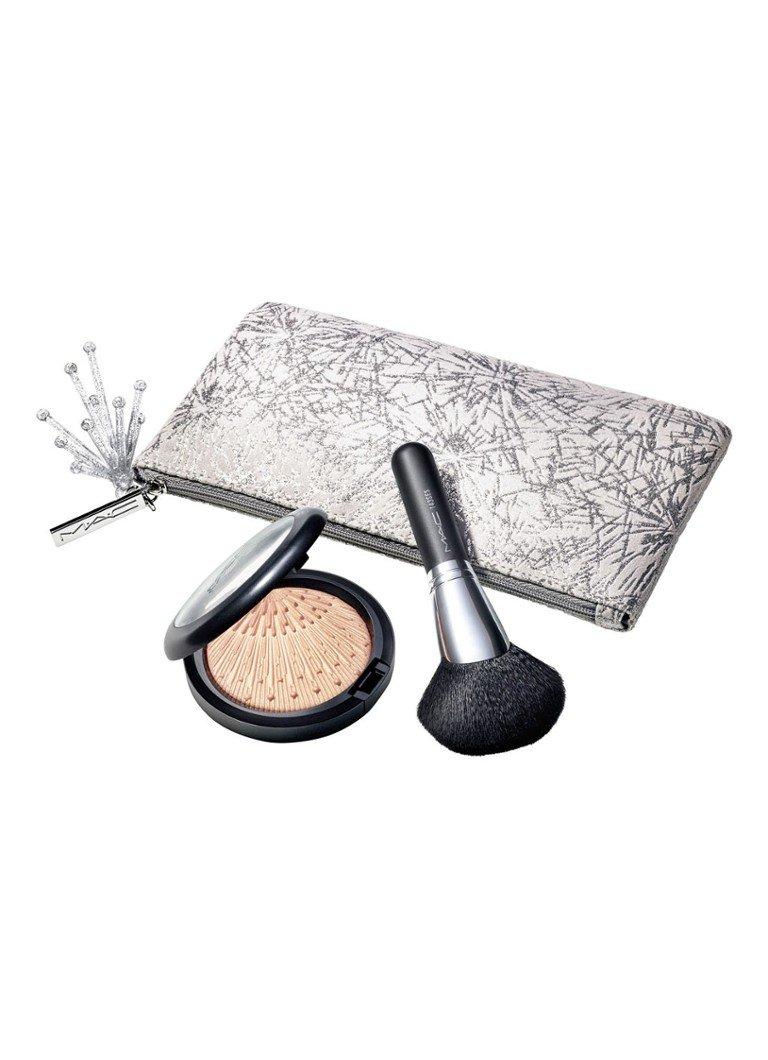 M·A·C Firelit Kit Skinfinish Extra Dimension make-up set voor €14,70 @ de Bijenkorf