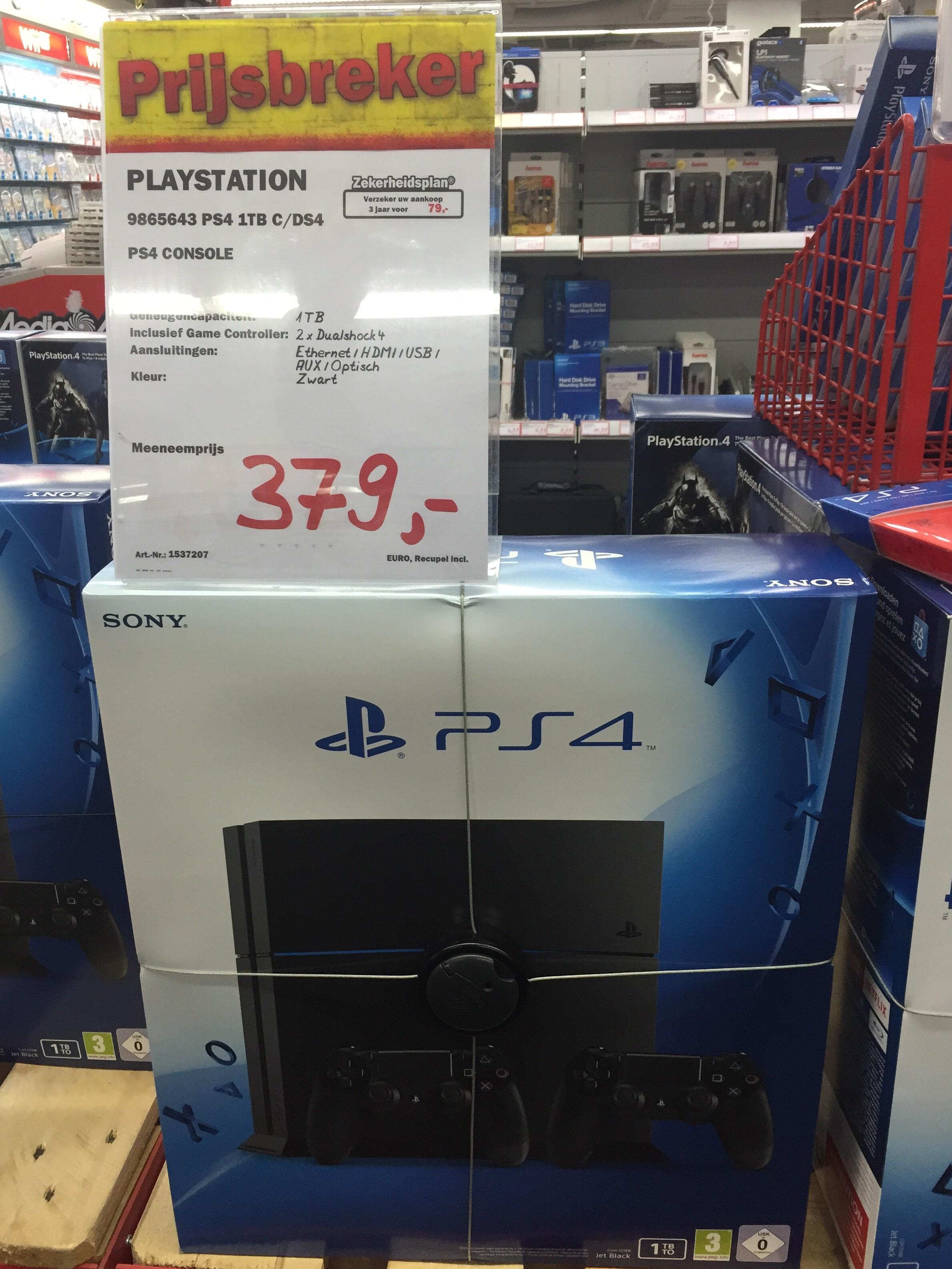 Sony Playstation 4 (1TB) + 2 controller voor €379 @Media Markt (Antwerpen Centrum)