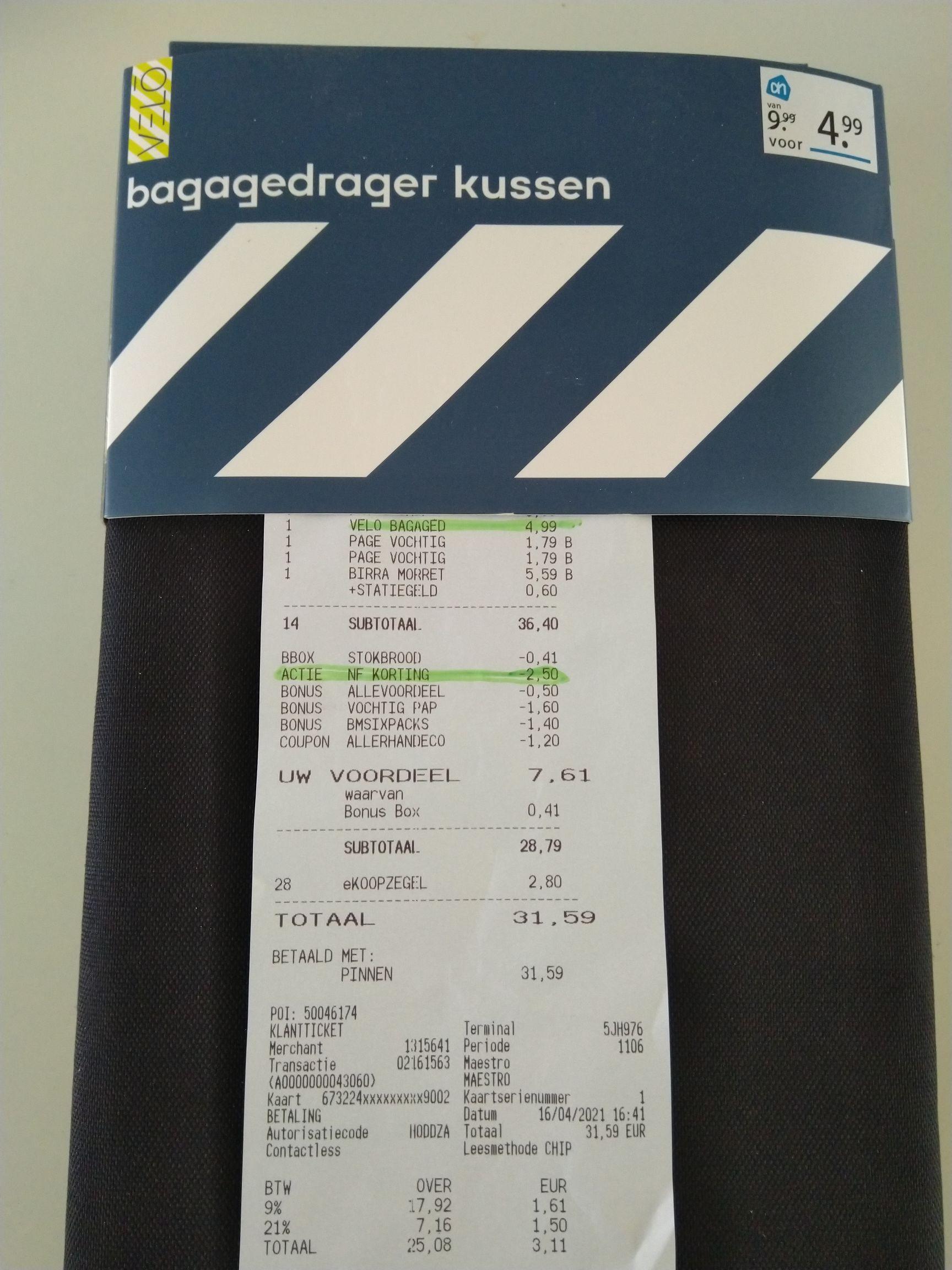 Fietslampjes en bagagedragerkussens van Velo 50% extra afgeprijsd bij Albert Heijn (lokaal?)