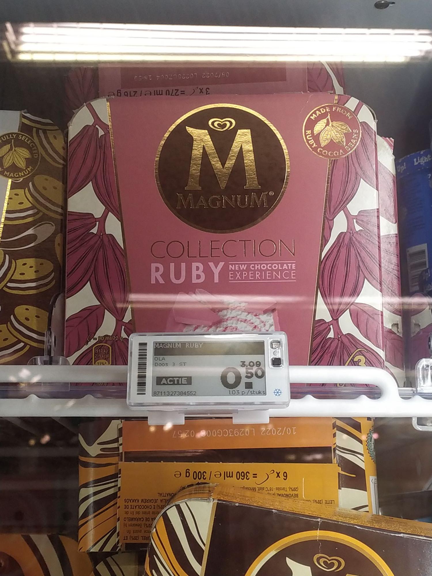 Magnum Ruby ijs bij Plus Deventer Borgele (Lokaal)