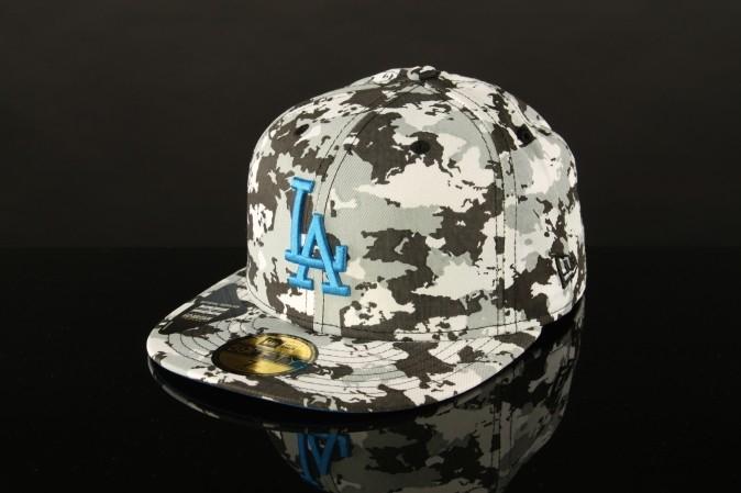 New Era fitted cap, helft van de helft, 75% korting!