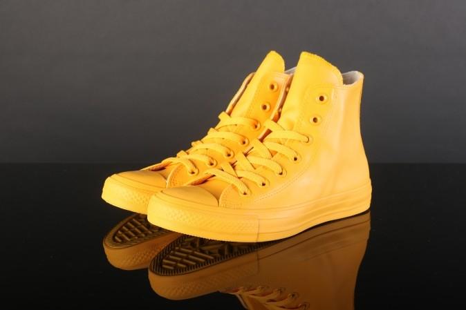 Converse Chuck Taylor Hi (rood / geel) voor €19,99 @ Go-Britain