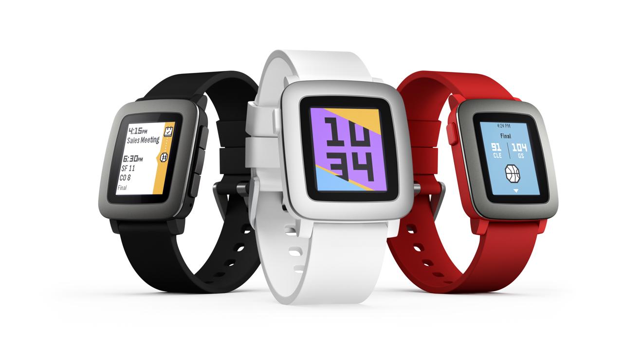 Pebble Time Smartwatch voor €99,95 + 5,95 verzendkosten @ iBOOD