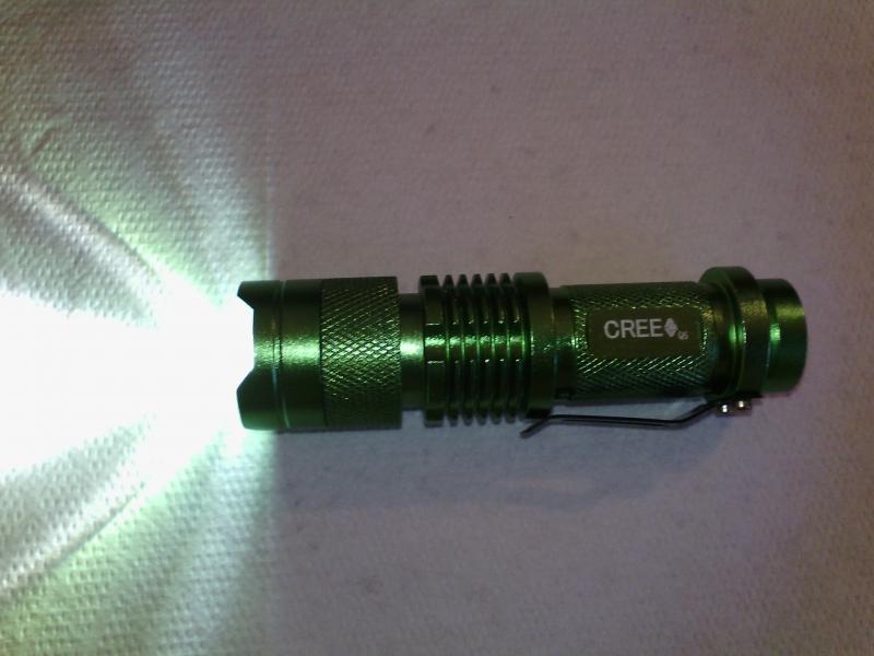 Ultrafire CREE Q5 300LM MINI LED zaklamp voor €2,40 @ Banggood