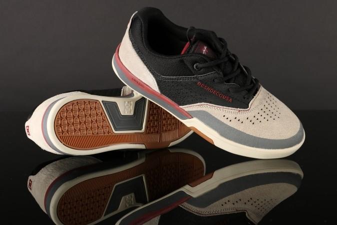 DC COLE LITE 3 S SE sneakers + slippers voor €20 @ Go-Britain
