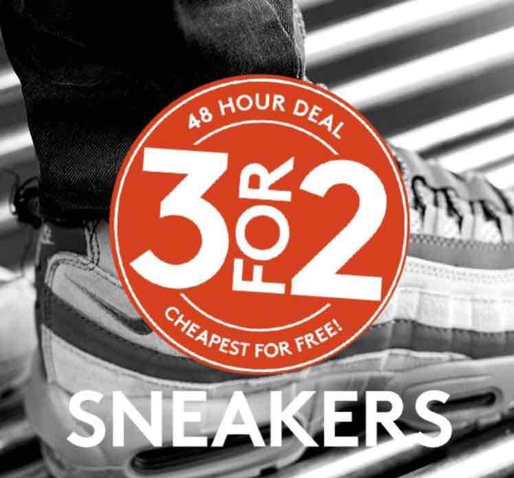 3 sneakers voor de prijs van 2 @ Caliroots