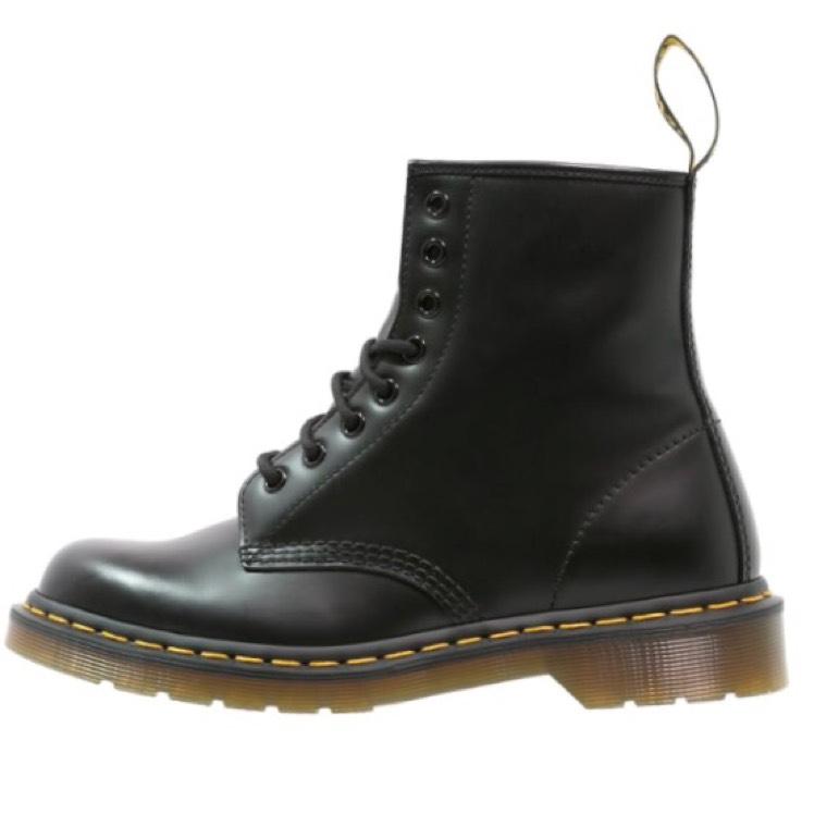 Classic Dr. Martens 1460 boots van €169 voor €125