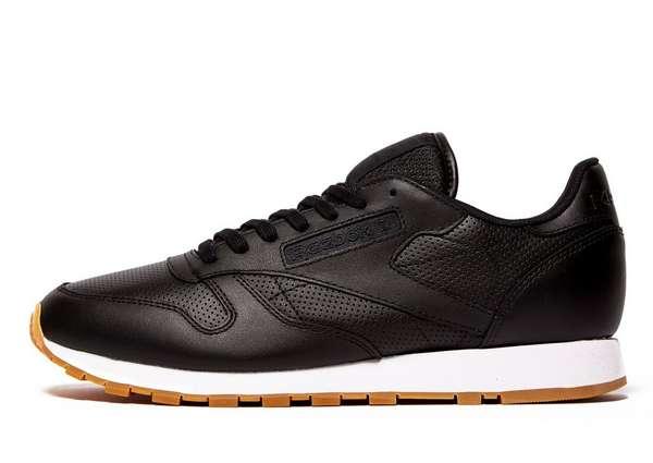 Reebok Classic leather sneakers nu €35 @ JD Sports