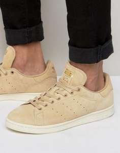 adidas Stan Smith suède sneakers nu €31,65 @ ASOS