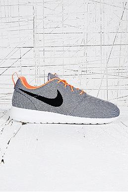 [FOUT?] Schoenen vanaf €5 - o.a. Nike, Adidas, New Balance en Vans @ Urban Outfitters