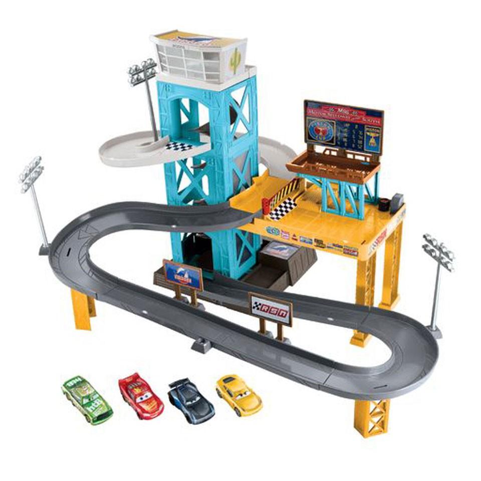 Disney Cars 3 gemotoriseerde garage speelset inclusief 4 auto's voor €19,99 @ Intertoys