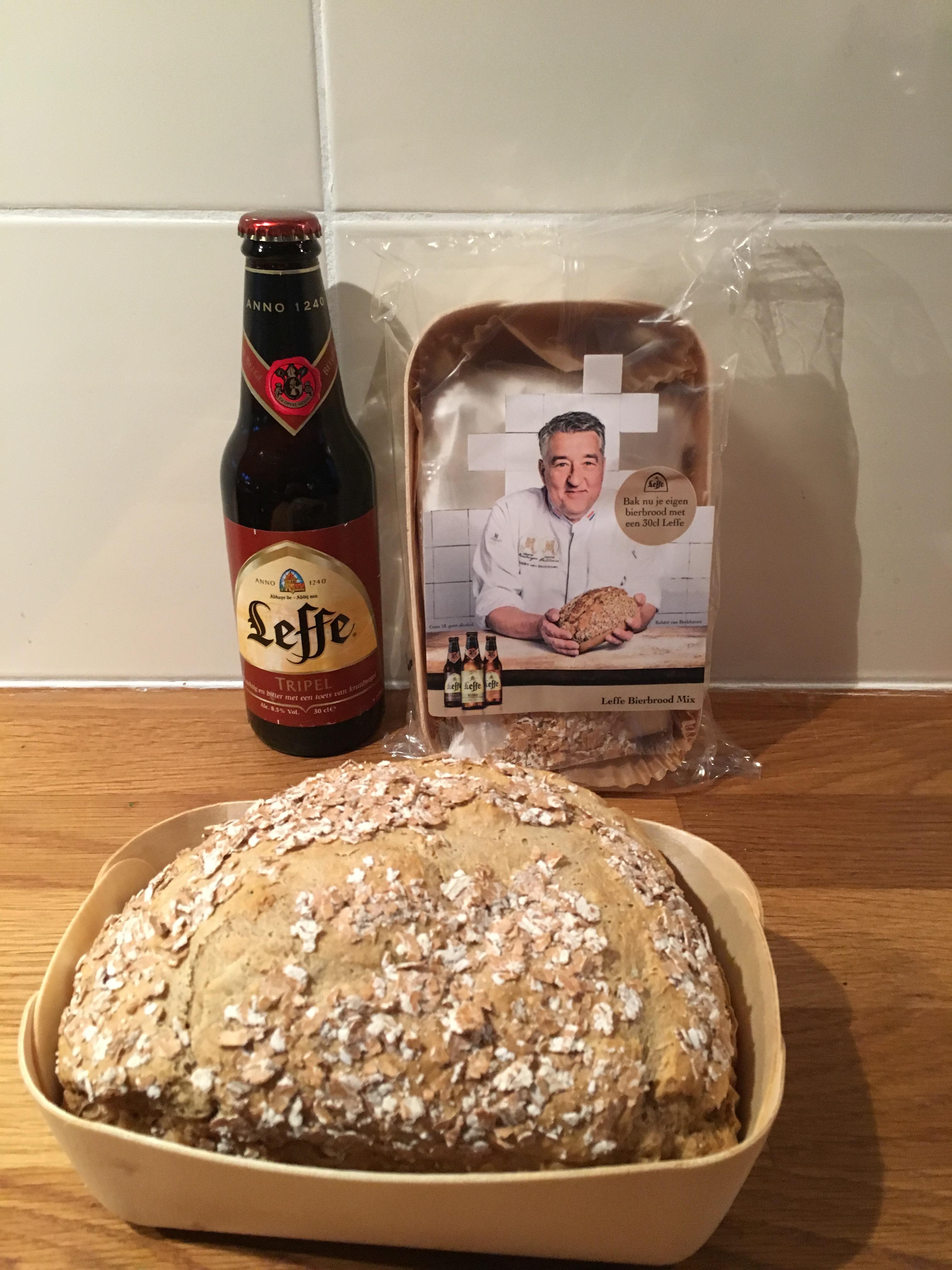 Gratis Leffe bierbrood bij aankoop van 1 flesje Leffe @ Deka