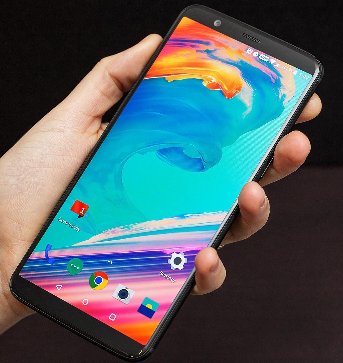 OnePlus 5T 6/8GB 64/128GB vanaf €406 @ Banggood