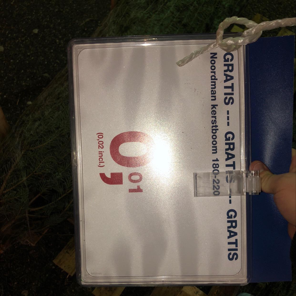 Kerstboom voor €0,02 @ Makro Beda