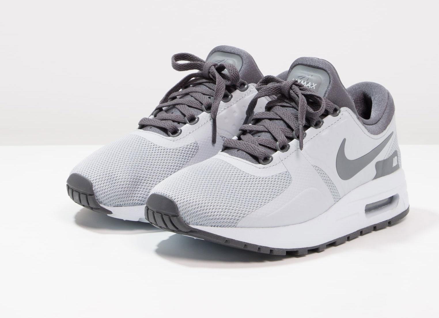 Nike Air Max Essential kids (35,5 t/m 40) -60% = €41,95 @ Zalando