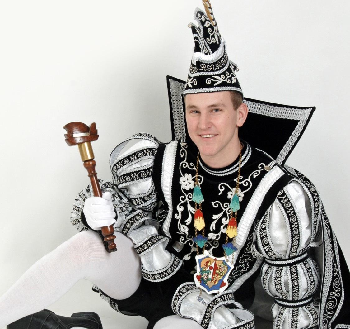 NS brengt Prins(en) gratis naar carnaval