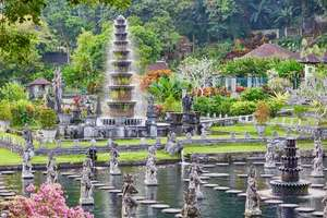 Open jaw flights from Europe to Indonesia from just €327!
