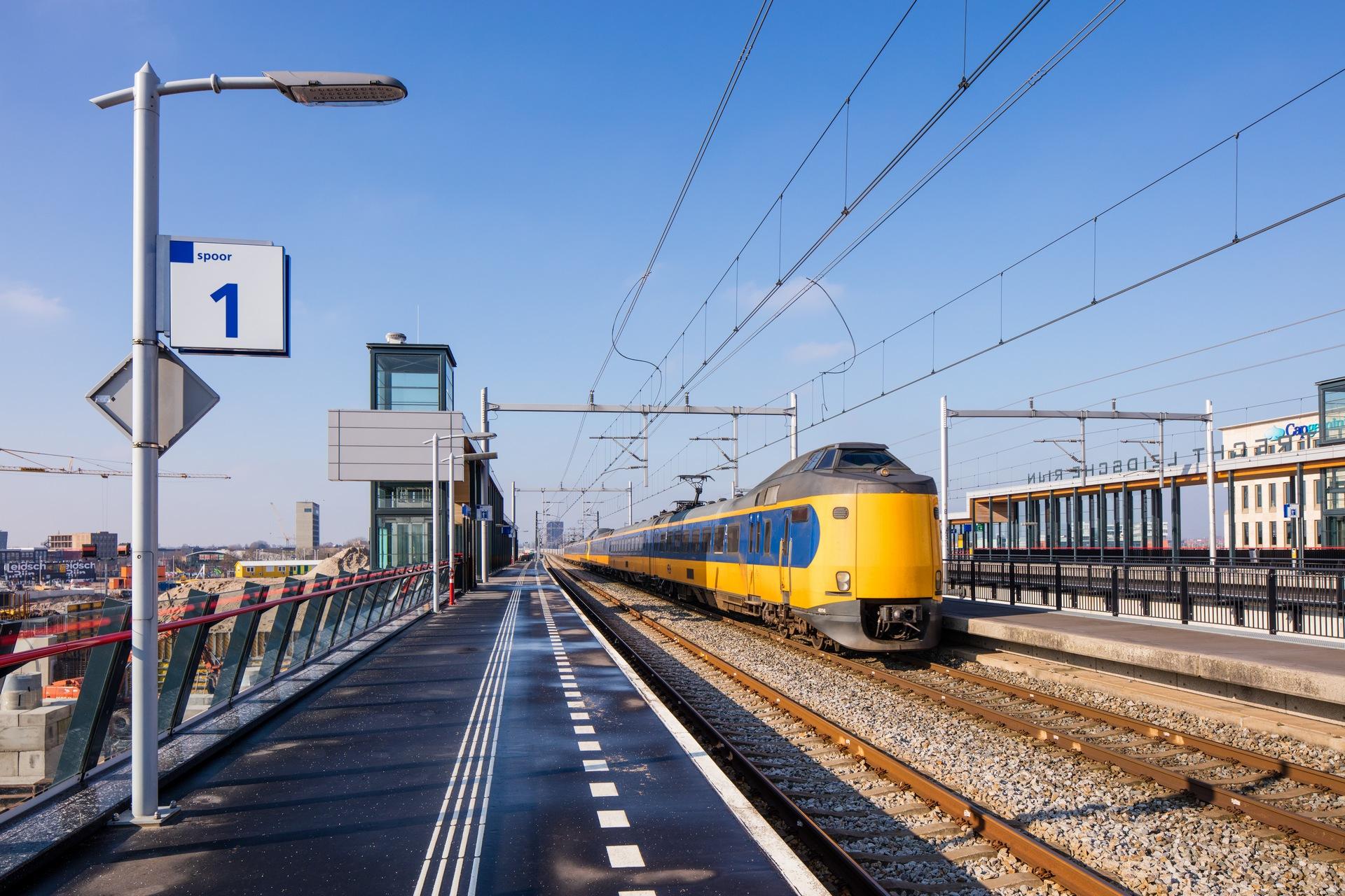 Overzicht NS acties: €13,99 of €16 of €20 (+broodje/sapje) of enkele reis €12