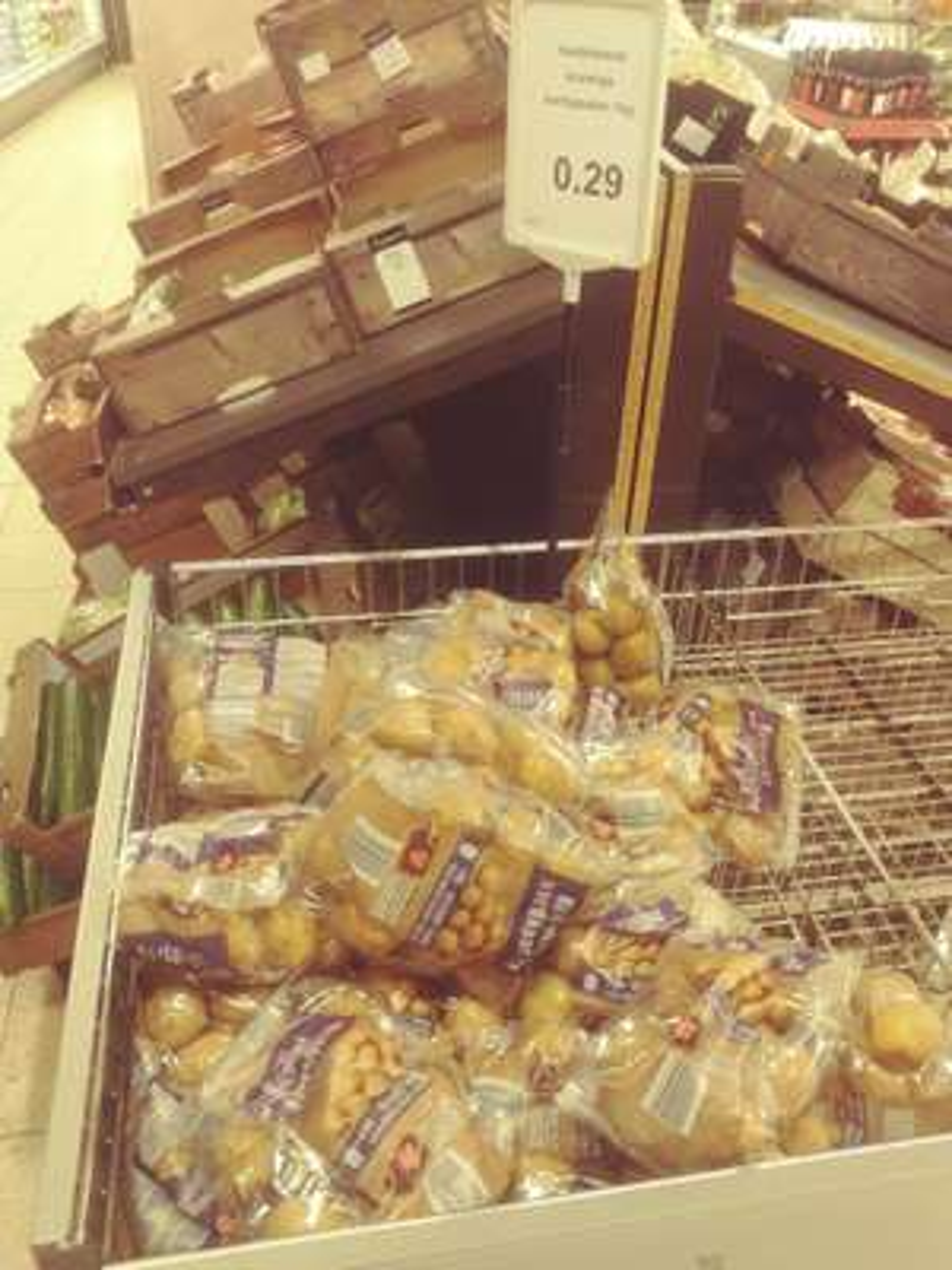 Vastkokend/Kruimige aardappelen 1kg (Aldi - Eudokiaplein Rotterdam)