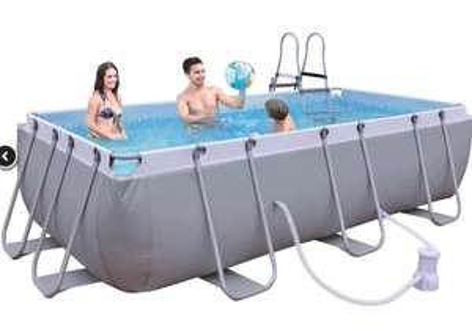 Cranenbroek: Stevig en groot opzetzwembad, metalen frame met pomp en trap 4m x 2m x 1m
