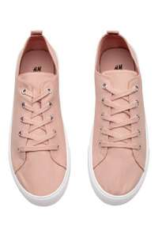Verschillende damesschoenen voor €3,99 @ H&M