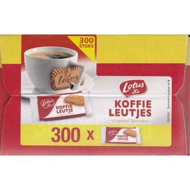 300 Lotus (datum van 27-8-2018) + Delicious Hazelnoot chocolade pasta + Koffie vershoudclip
