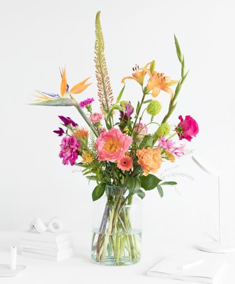 50% op uw eerste bos bloemen cadeau én een gratis vaas.
