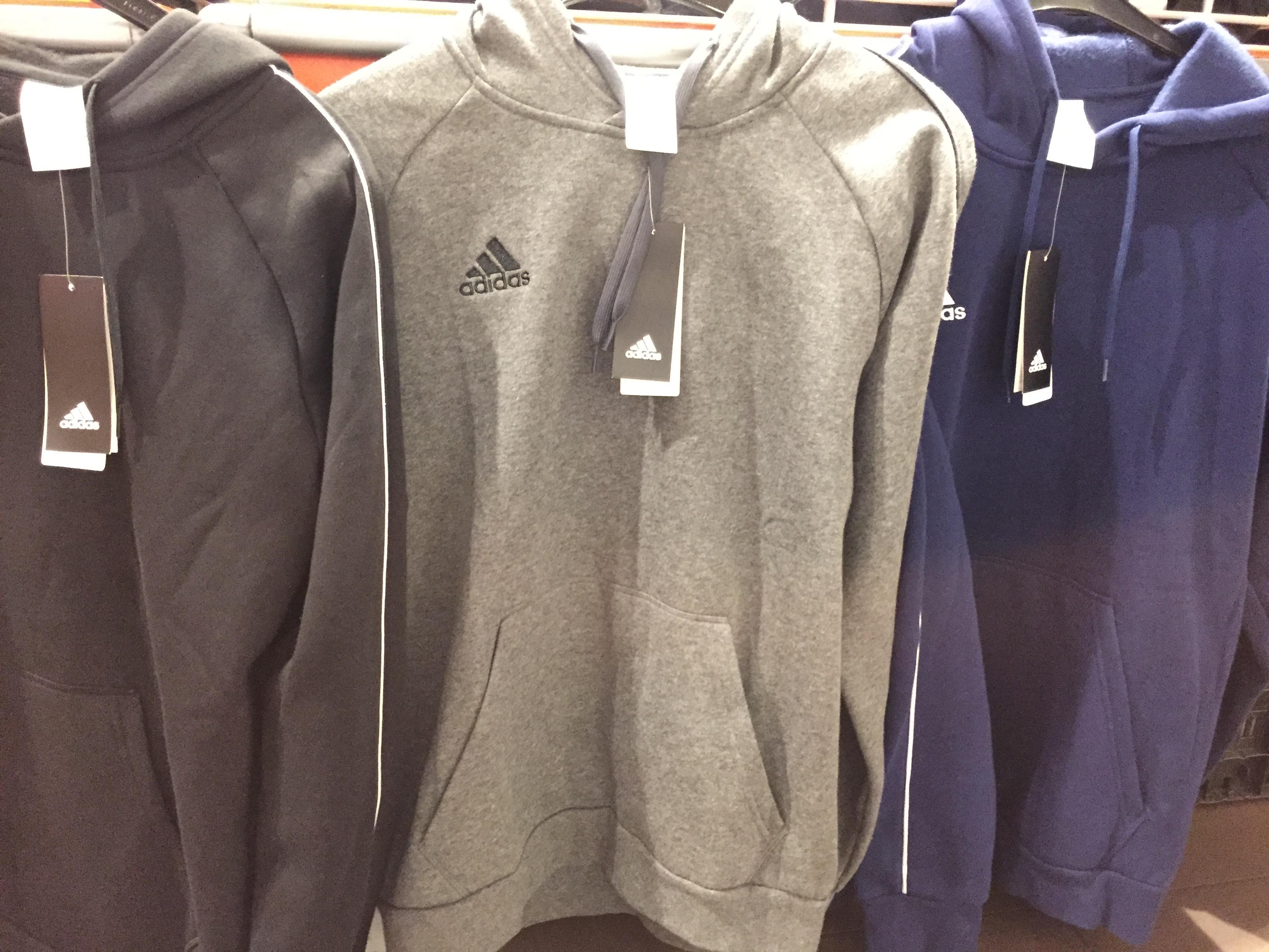 Adidas truien en broeken AH mathenesserplein