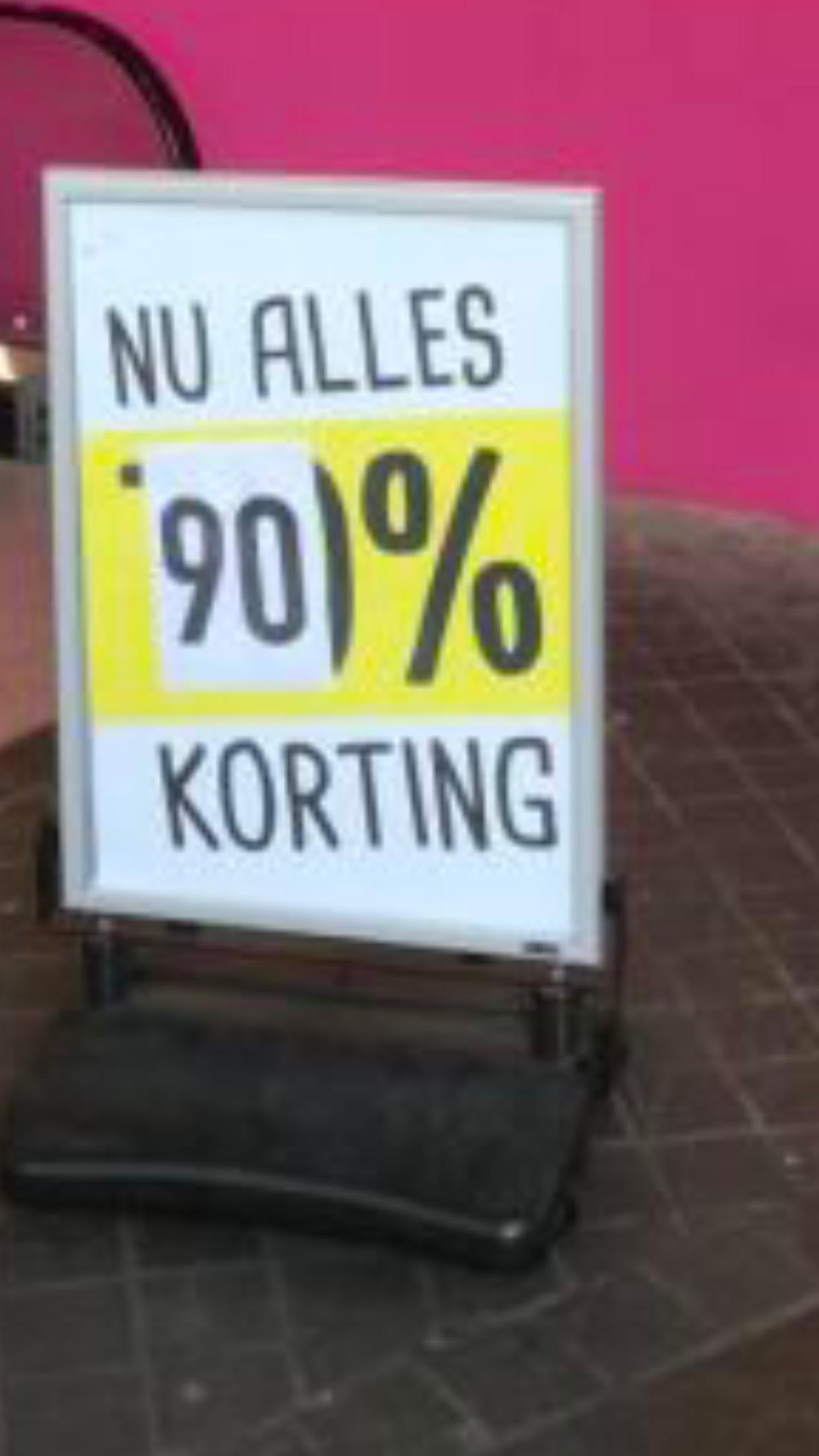 Xenos Hellevoetsluis laatste verkoopdag 90% korting