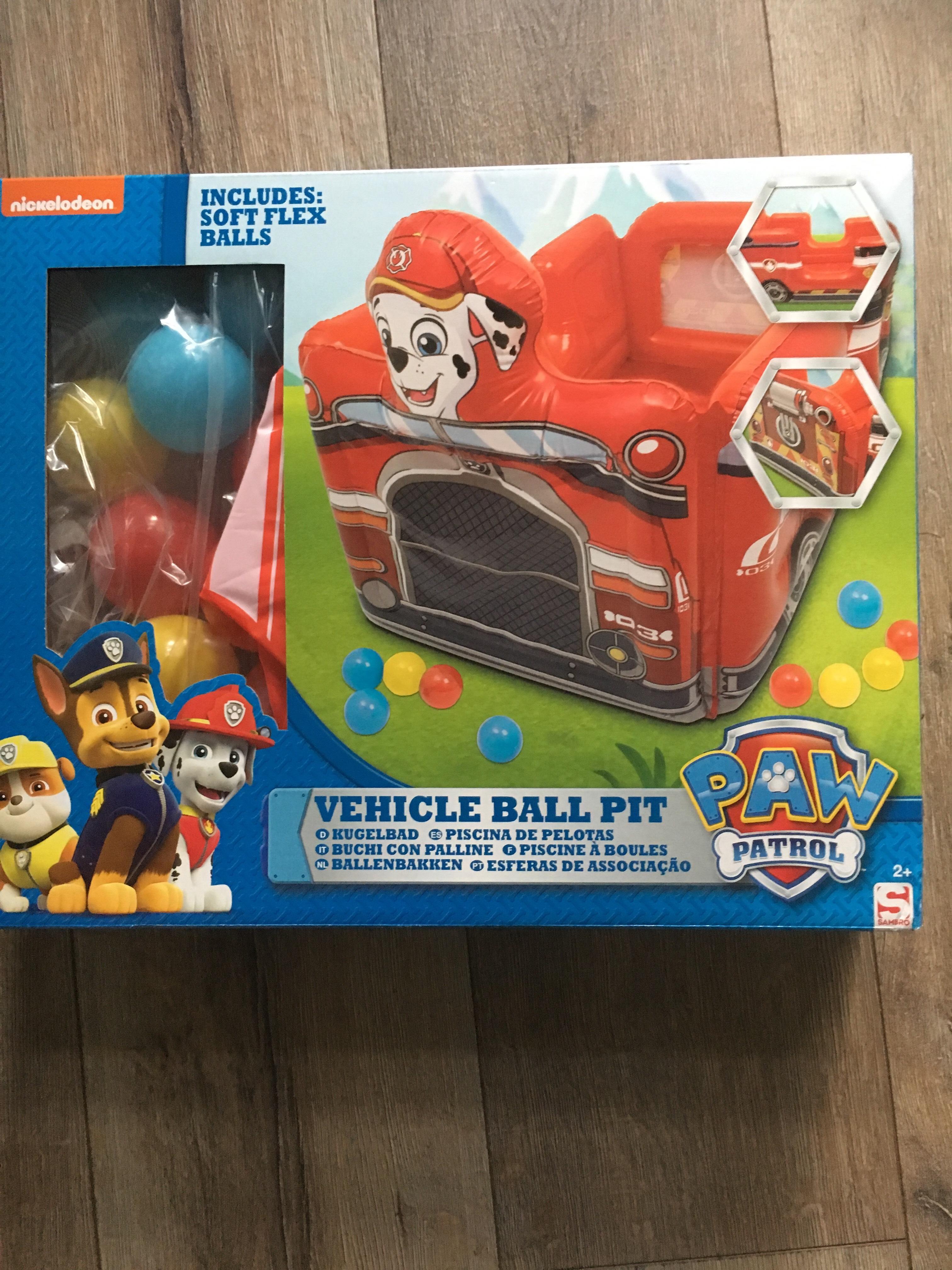 Paw patrol ballenbak in vorm van brandweerauto voor €14,99 bij Kruidvat!