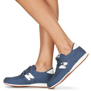 New Balance 420 sneakers €37,82 @ ASOS