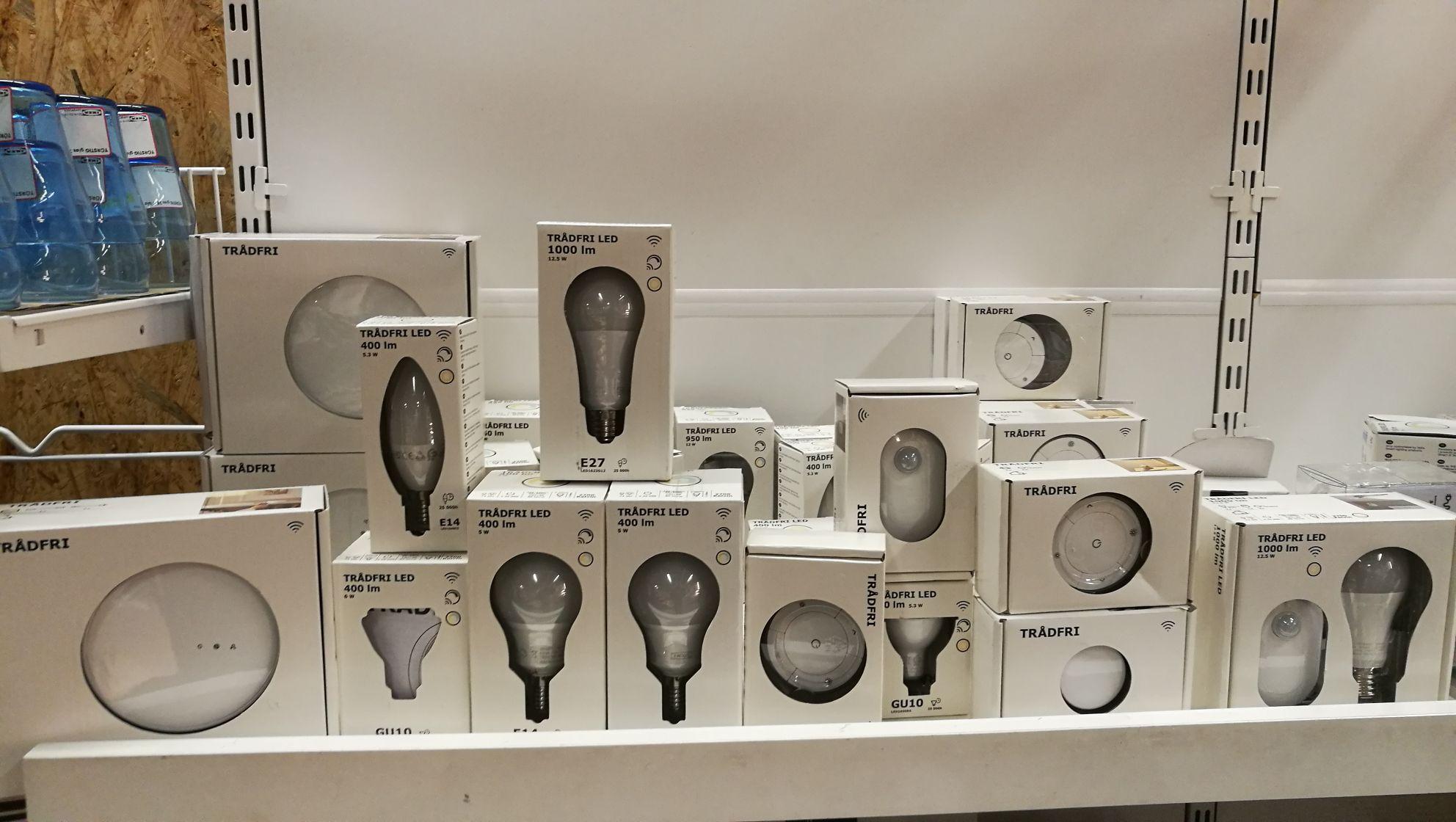 30% korting op diverse Tradfri lampen en schakelaars. In de koopjeshoek bij IKEA Eindhoven
