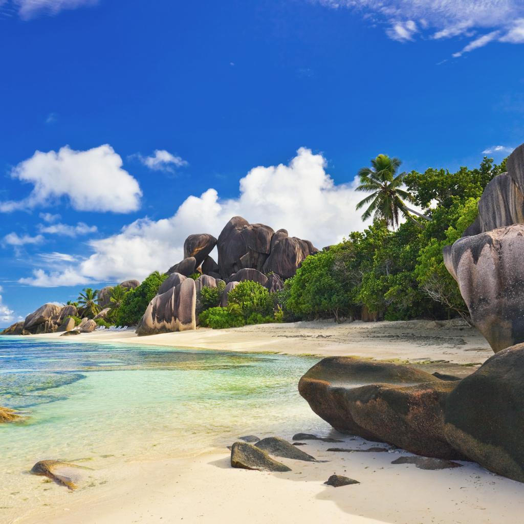 Vliegtickets: Amsterdam naar de Seychellen incl. bagage vanaf €406 @ Kenya Airways
