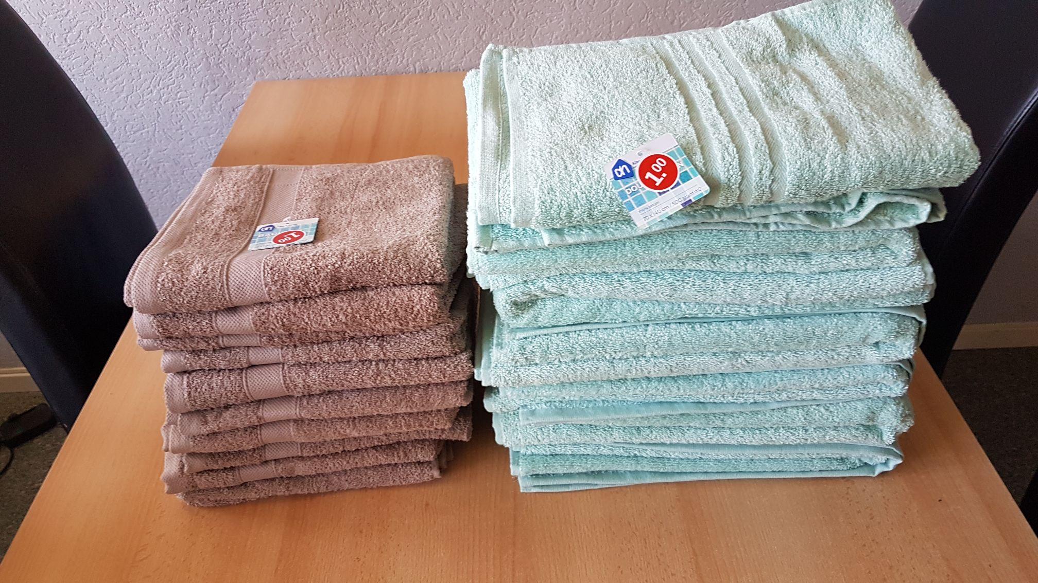 Handdoeken groot 70x140cm en 50x100cm