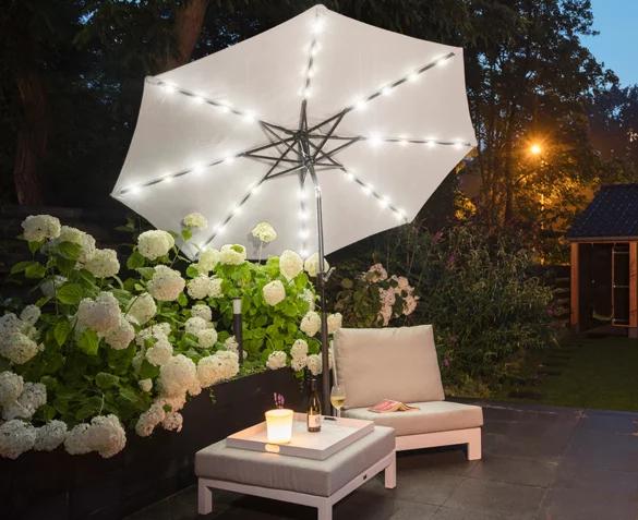 Parasol (diameter: 270cm) met LED verlichting van €149,99 voor €59,99