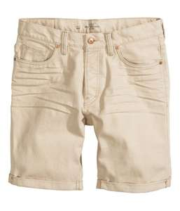 Chinoshorts €4 / Denim shorts €10 / Cargoshorts €12 @ H&M