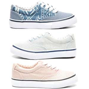 Canvas kids sneakers nu €4,99 @ Dolcis