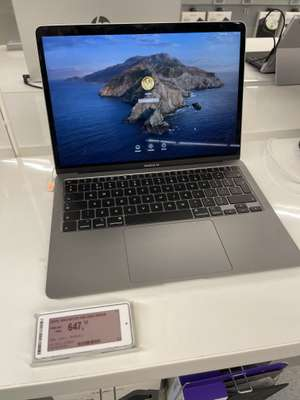 Makro MacBook Air 2020 model €647,50 excl. BTW