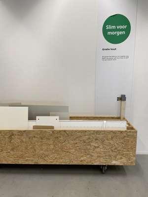 Gratis hout bij IKEA