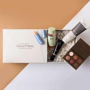 Look Fantastic beauty mail box met o.a. Aveda, Zoeva