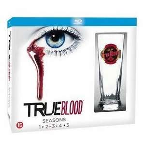 True Blood Seizoen 1 - 5 Blu-ray Special Edition met Glas  voor €54,50 @ Stuntwinkel