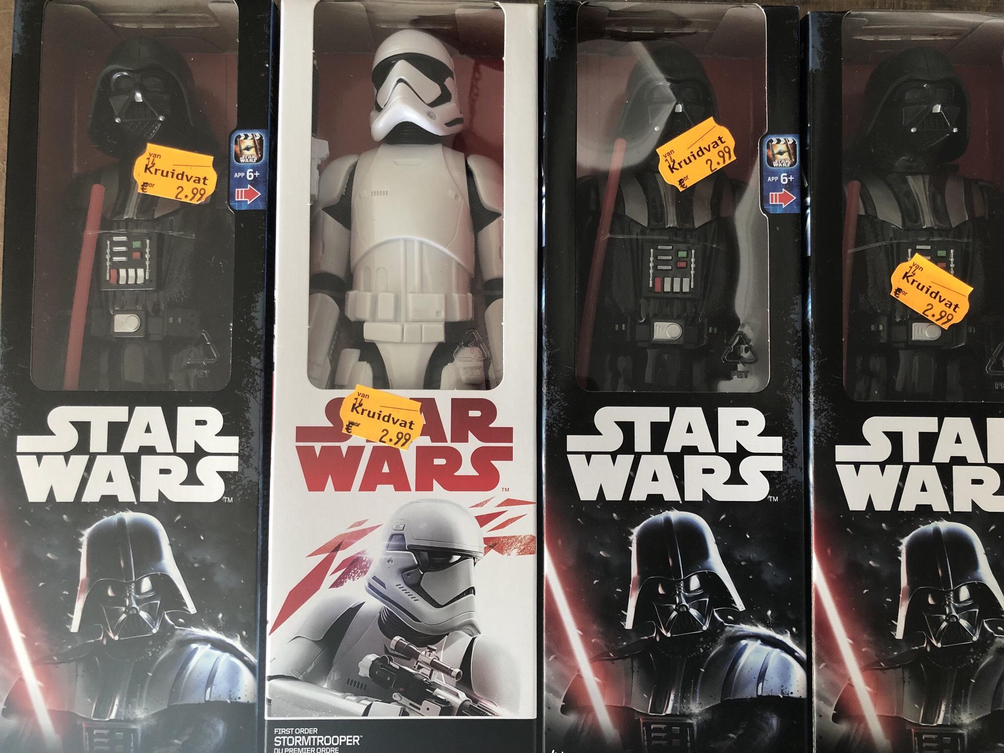 Star Wars poppen 30cm Disney Hasbro voor 2,99 - Kruidvat